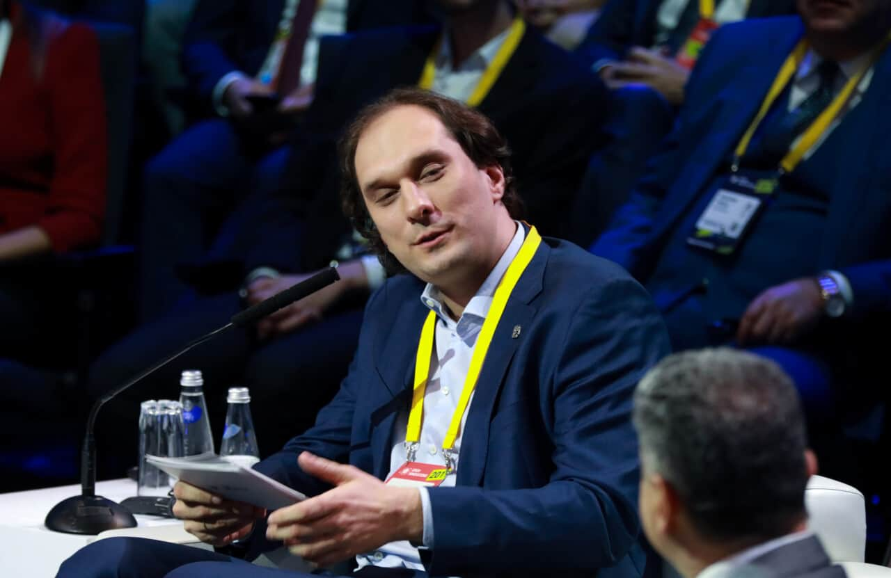 С 21 по 23 октября в Технопарке «Сколоково» прошел международный форум «Открытые инновации», собравший более 11 тыс. участников из 90 стран.  22 октября состоялась пленарное заседание «Интеллектуальная экономика. Три дилеммы для…