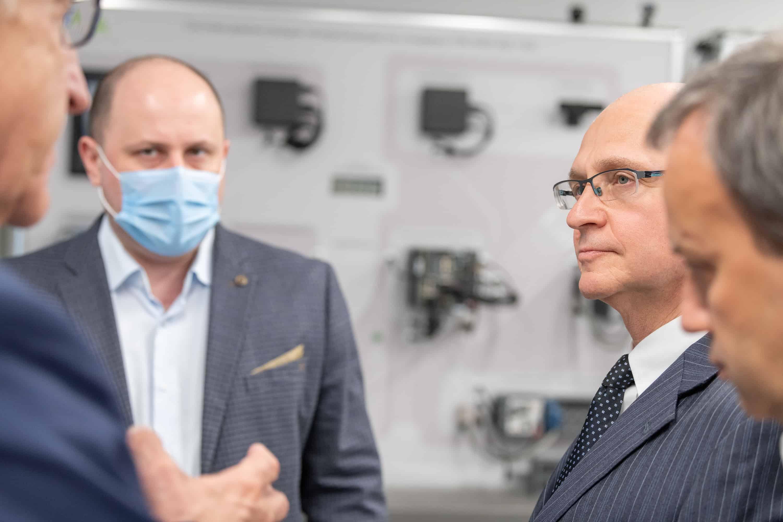 Первый заместитель Руководителя Администрации Президента Сергей Кириенко в 5G-лаборатории