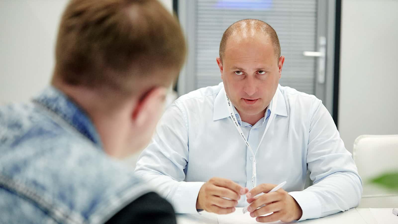 Во время конференции«ЦИПР-2021»руководитель Центра компетенций НТИ на базе Сколтеха Дмитрий Лаконцев дал интервью телеком-блогеру Сергею Вильянову, в котором рассказал о самых актуальных проблемах развития российского рынка сотовой связи. Приводим выдержки…
